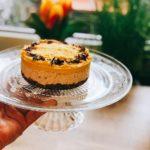 Kokos-Mango Kuchen – Rohvegan, ohne Backen und trotzdem fruchtig lecker!